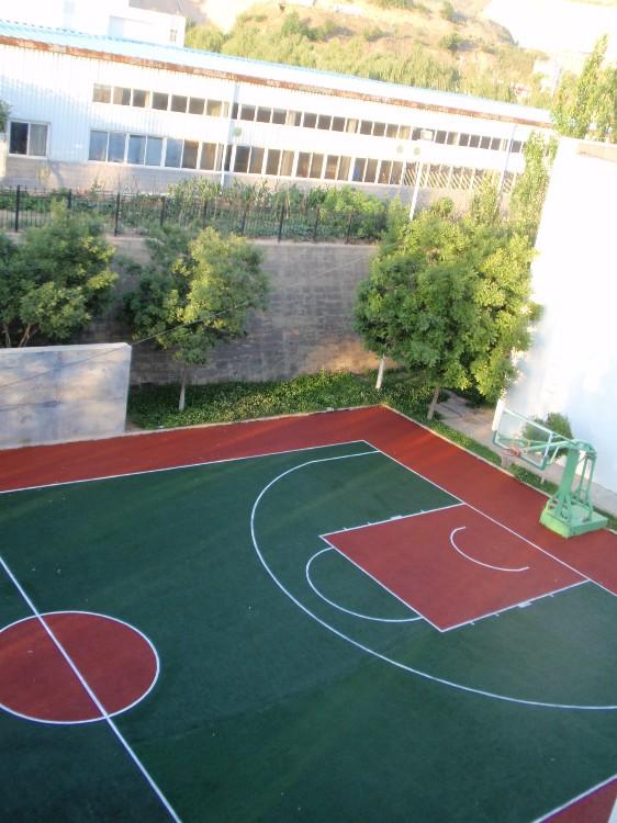橡胶篮球场地