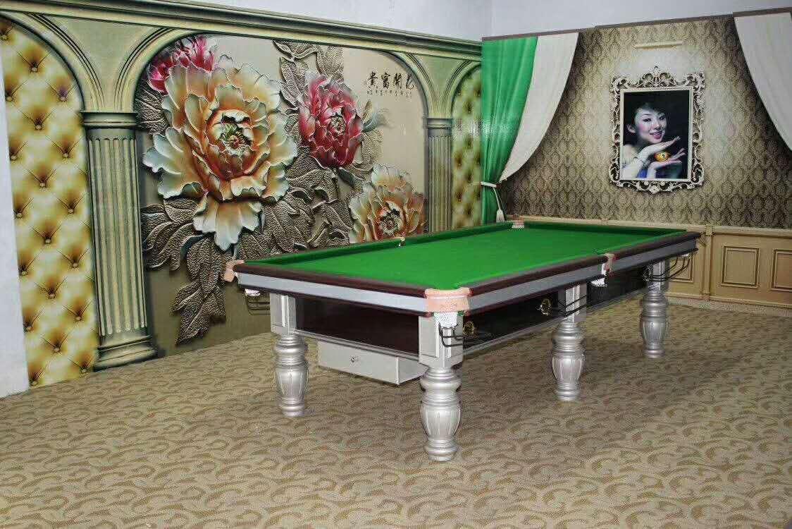银色大理石台球桌