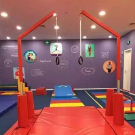 儿童运动馆吊环